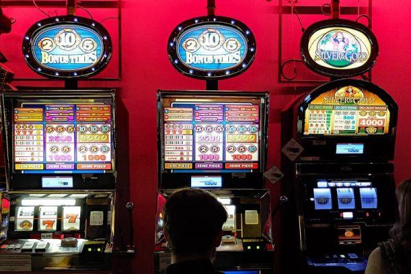 Trik Mainkan Game Slot Uang Asli di Situs Judi Online